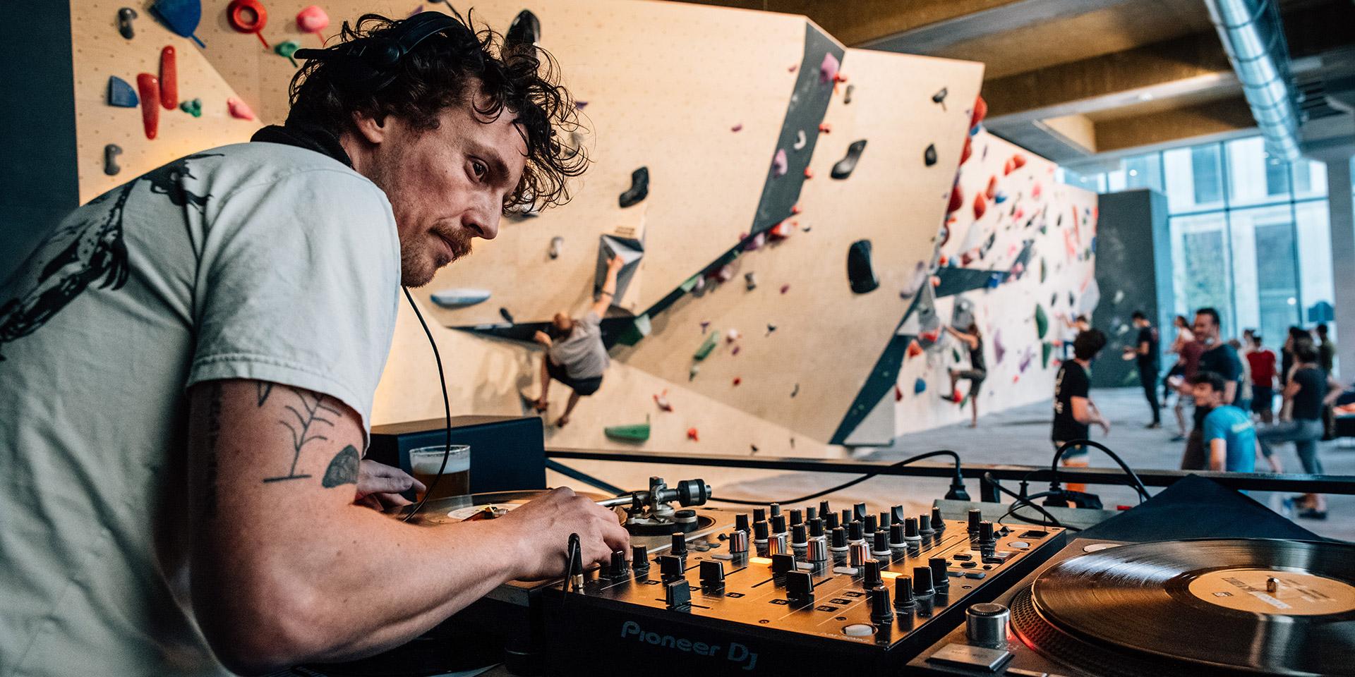 Peter Raw Mix - Climbing District